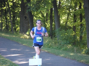 Cruising along all alone during the Niagara Marathon