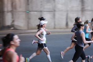 Coming out of the tunnel at mile 1